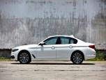 BMW Series 5 520d Sport บีเอ็มดับเบิลยู ซีรีส์5 ปี 2017 ภาพที่ 02/12