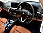 BMW Series 5 520d Sport บีเอ็มดับเบิลยู ซีรีส์5 ปี 2017 ภาพที่ 05/12