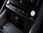 Lexus IS 300h Premium เลกซัส ไอเอส ปี 2017 ภาพที่ 11/16