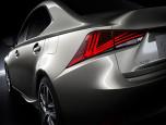 Lexus IS 300h Premium เลกซัส ไอเอส ปี 2017 ภาพที่ 02/16