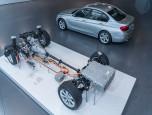 BMW Series 3 330e M Sport บีเอ็มดับเบิลยู ซีรีส์3 ปี 2016 ภาพที่ 09/20