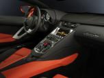 Lamborghini Aventador LP700-4 ลัมโบร์กินี อเวนทาดอร์ ปี 2011 ภาพที่ 10/20