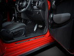 Mini Hatch 3 Door Cooper S JCW Dress-Up Edition มินิ แฮทช์ 3 ประตู ปี 2016 ภาพที่ 6/8