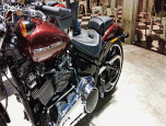 Harley-Davidson Softail Breakout ฮาร์ลีย์-เดวิดสัน ซอฟเทล ปี 2018 ภาพที่ 4/9