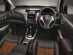 Nissan Navara NP300 Double Cab Calibra E 6 MT Black Edition นิสสัน นาวาร่า ปี 2019 ภาพที่ 10/16