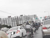 ข้อควรระวัง เมื่อขี่มอเตอร์ไซค์ช่วงรถติด