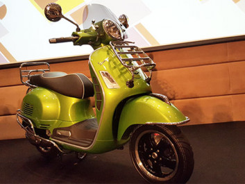 Vespa GTS Super 300 ABS, 150 i-Get ABS และ Sprint 150 i-Get Sport Edition
