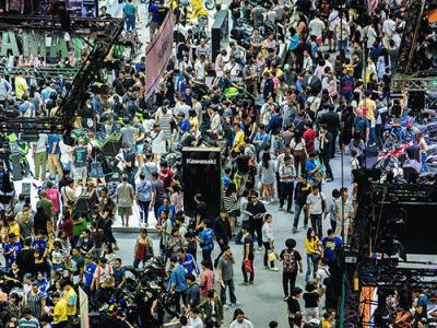 รถยนต์ และรถจักรยานยนต์ แพง - ถูกที่สุดใน Motor Expo 2017