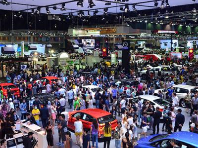 ตรวจโปรโมชั่นเด็ด ค่ายรถชั้นนำ กระหน่ำในงาน Motor Expo 2015