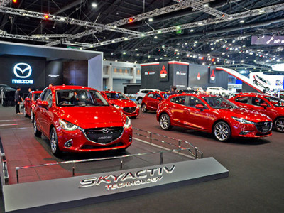 Mazda เผยโฉม MX-5 RF พร้อม CX-3 รุ่นปรับโฉมใหม่ ในงาน Motor Show 2017