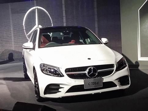 เมอร์เซเดส-เบนซ์ Mercedes-benz C-Class C 220 d AMG Dynamic ปี 2018