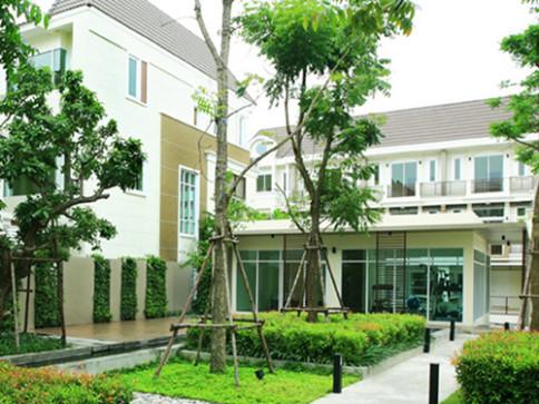 พรีเมี่ยม เพลส เอกมัย - รามอินทรา (Premium Place Ekamai - Ramindra)