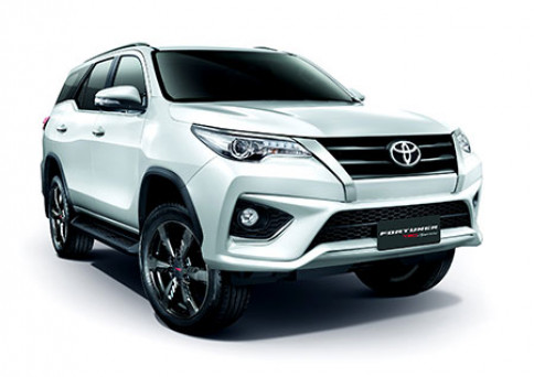 โตโยต้า Toyota Fortuner 2.8 TRD Sportivo 2WD AT Black Top MY2018 ปี 2018