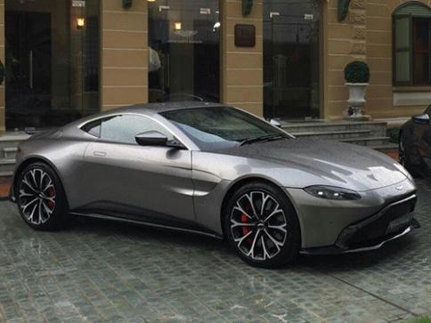 แอสตัน มาร์ติน Aston Martin V8 The New Vantage ปี 2018