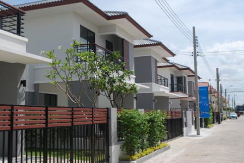 บ้านฟ้ากรีนพาร์ค รอยัล ธนบุรีรมย์ (Baan Fah Green Park)