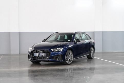 อาวดี้ Audi A4 Avant 45 TFSI quattro S line Black Edition ปี 2020