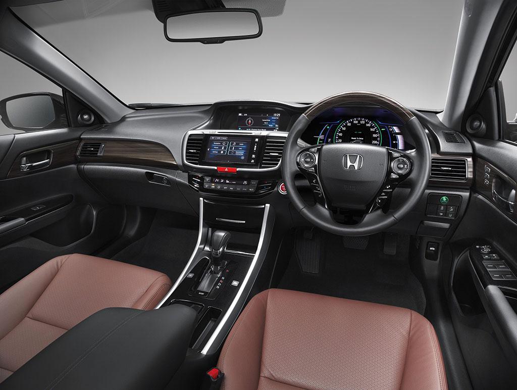 Honda Accord Hybrid 2 0 Tech 2016 ราคา 1 849 000 บาท