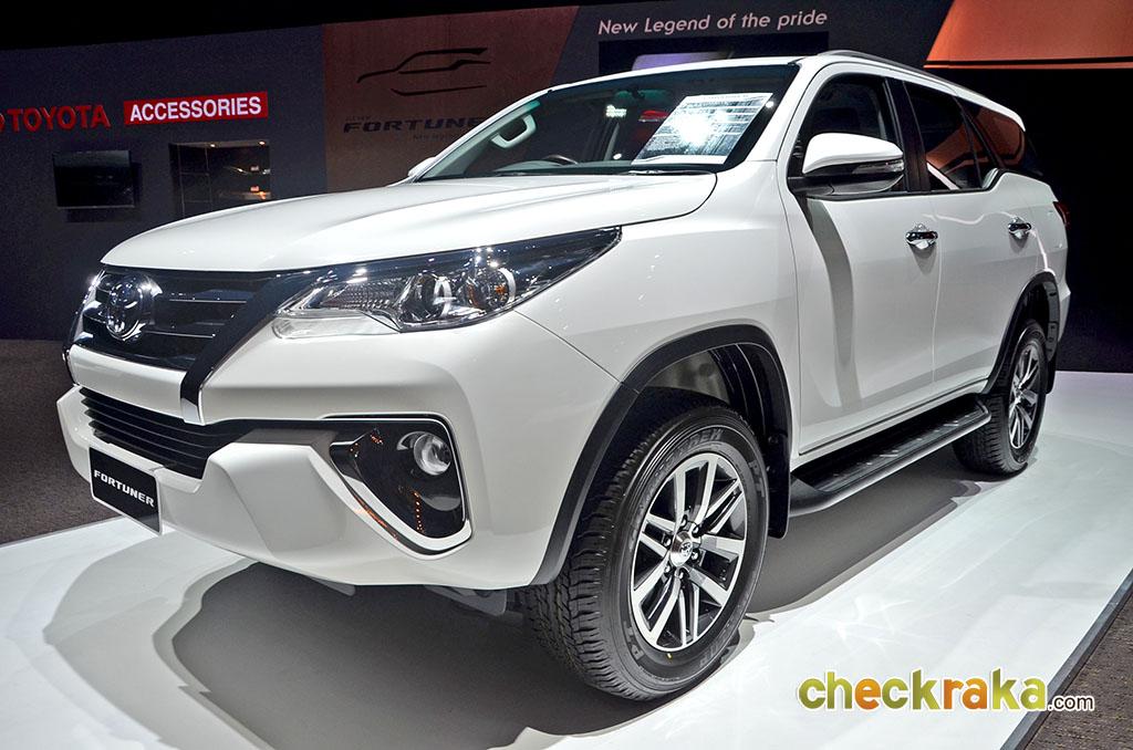 Toyota Fortuner 2 4g 2wd Mt 2015 ราคา 1 229 000 บาท