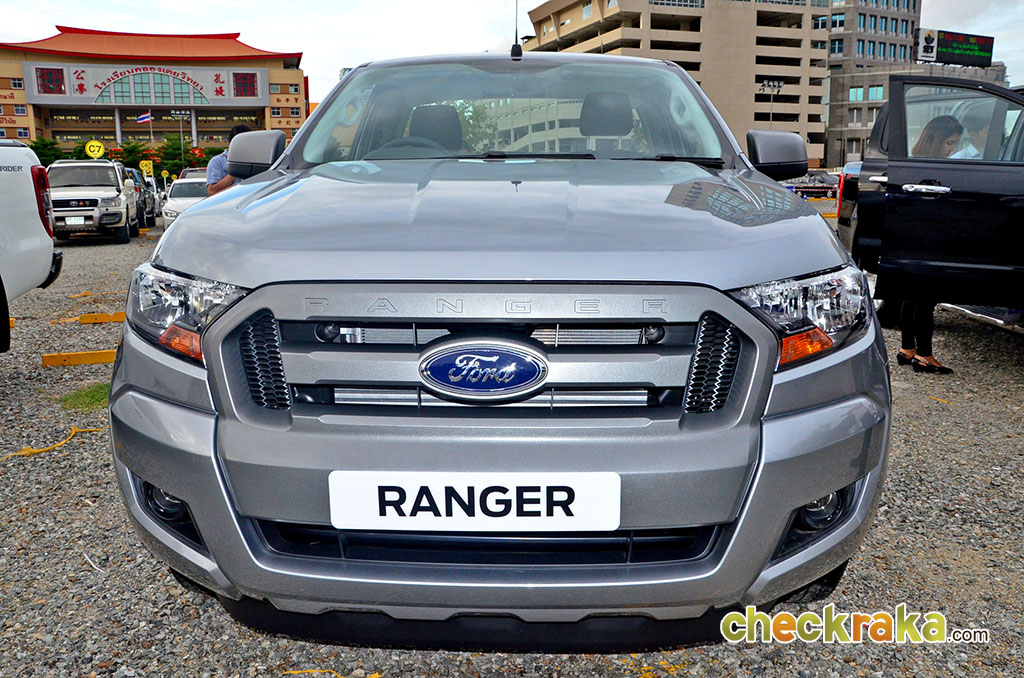 Ford ranger 4x2 lowrider
