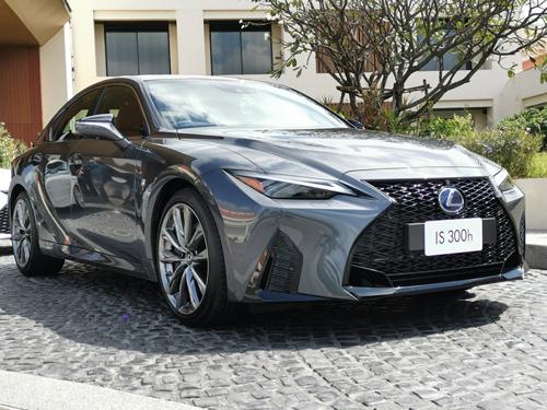 Lexus IS ทุกรุ่นย่อย