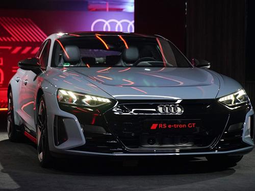 Audi RS e-tron GT quattro ปี 2021 ราคา-สเปค-โปรโมชั่น
