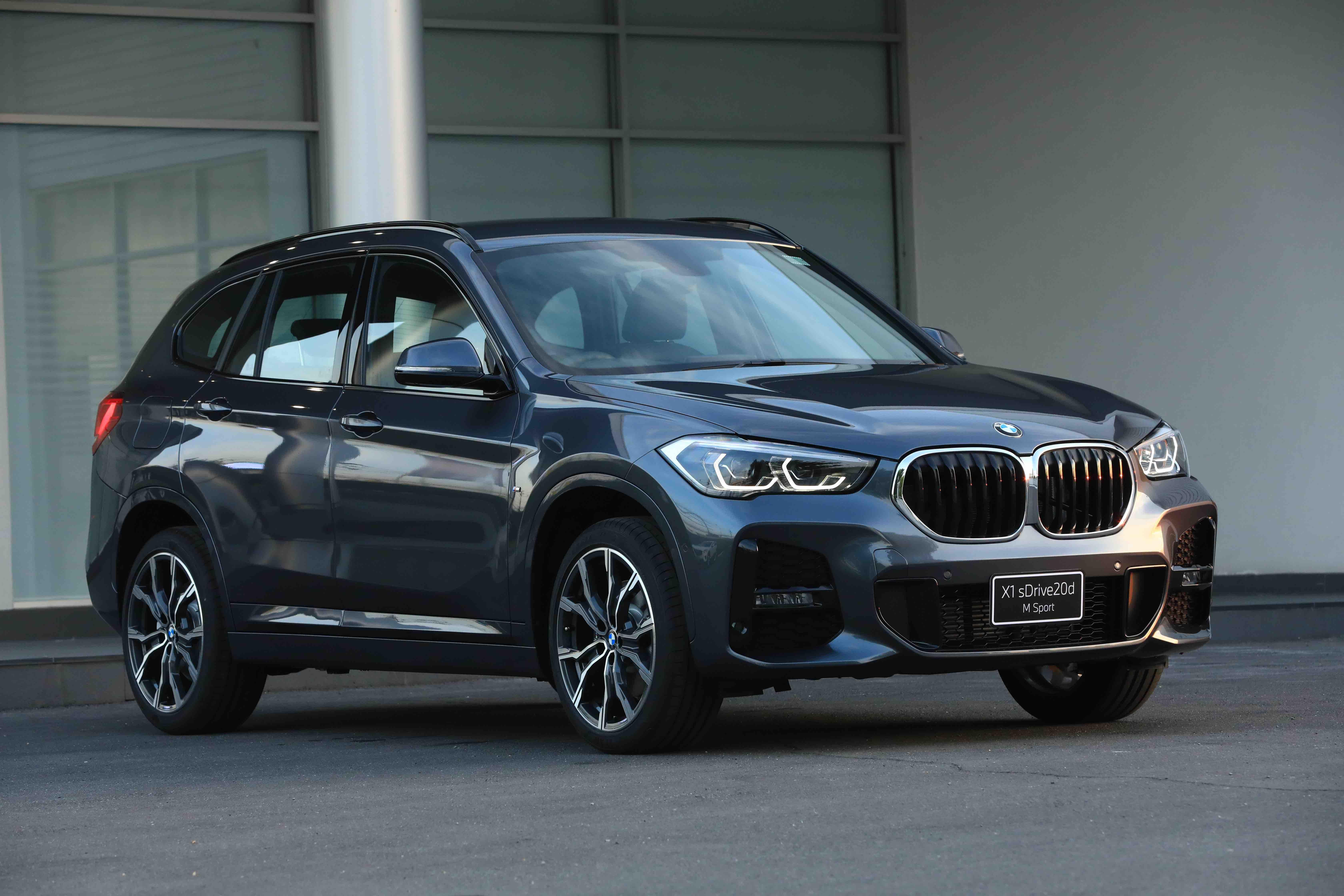 BMW X1 sDrive18i (Iconic) MY2020 ปี 2020 ราคา-สเปค-โปรโมชั่น
