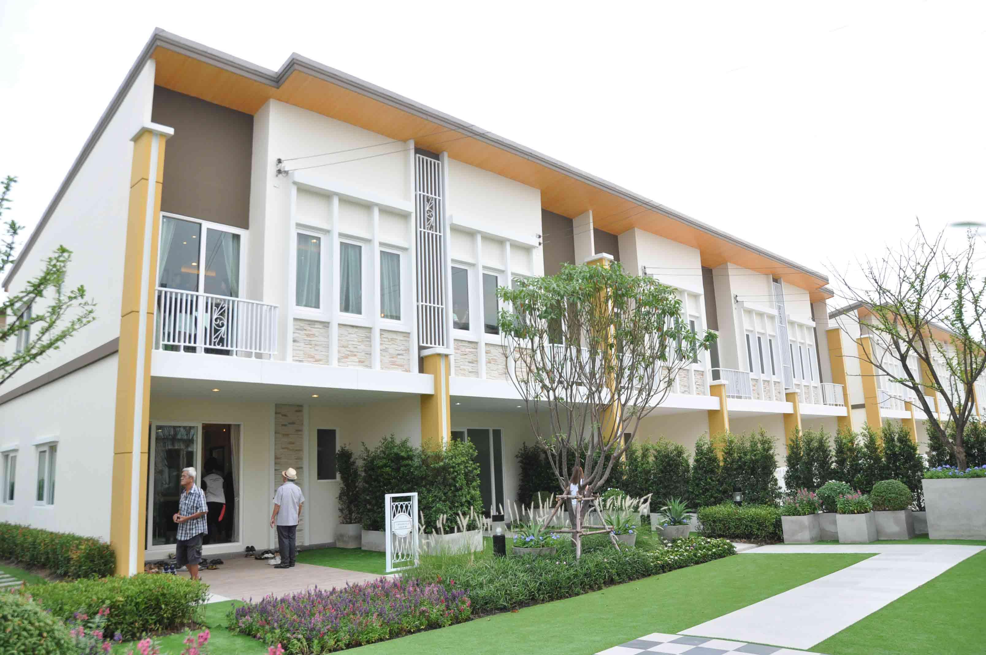 โกลเด้น ทาวน์ อ่อนนุช-ลาดกระบัง (Golden Town Onnut - Ladkrabang) ราคา-สเปค-โปรโมชั่น