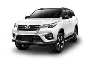 Toyota Fortuner 2.8 TRD Sportivo 4WD Black top AT