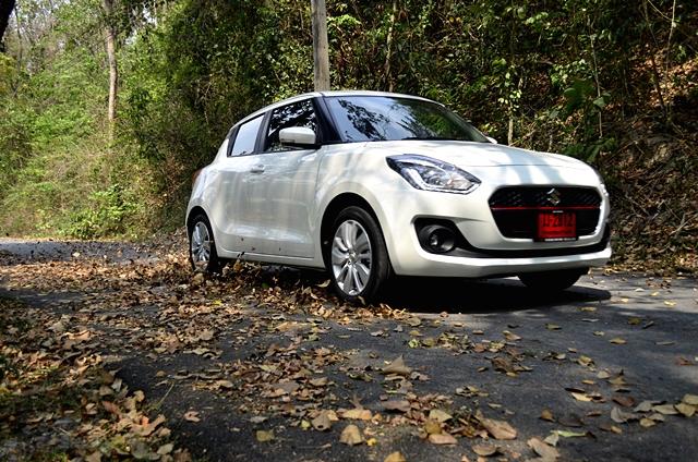 Suzuki Swift (ราคา 499,000 - 629,000 บาท)